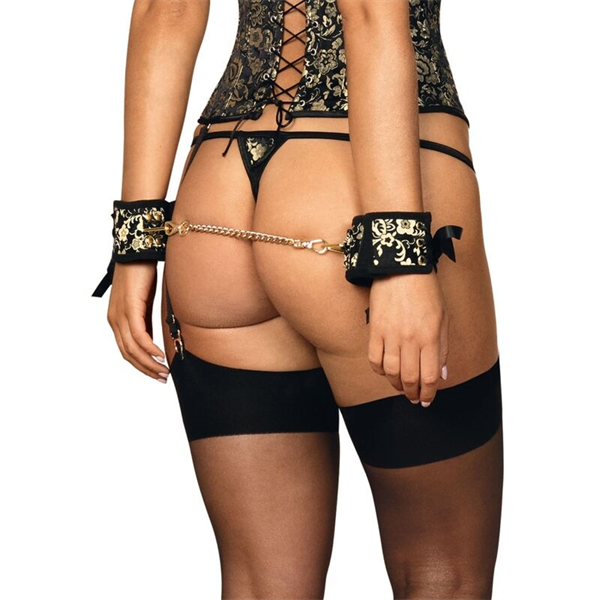 Obsessive - Obsesivo - Shelle Cuffs