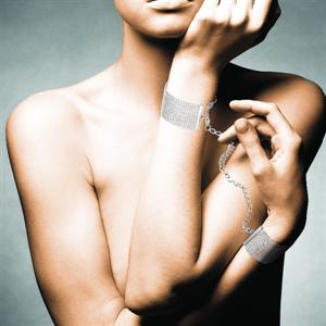 Bijoux Indiscrets Magnifique  Esposas / Pulseras De Cadenas Metálicas Plateadas